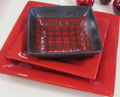 place setting red angle